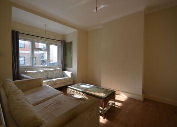 Thumbnail 1 bed property to rent in St. Andrew's Road, London