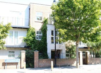 3 bed town house for sale in Lightermans Way, Greenhithe DA9