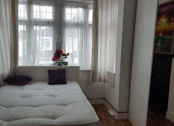 Thumbnail Room to rent in Rosendene Avenue, London