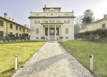 Thumbnail 7 bed villa for sale in Buscate, Milano, Lombardia