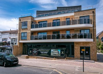 Flat 5, Astoria Place, 20 Amwell End, Ware, Herts SG12. 2 bed flat for sale