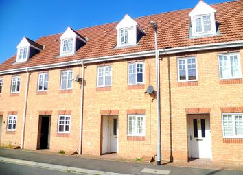 Thumbnail 3 bed town house to rent in Curbar Close, Mansfield, Nottinghamshire