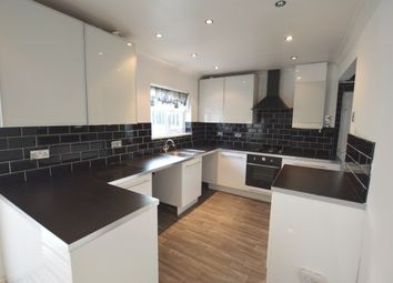 3 bed semi-detached house to rent in New Cross Drive, Sheffield S13