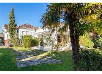 Thumbnail 5 bed property for sale in 33000, Bordeaux, Fr