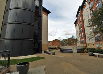 Thumbnail 2 bed block of flats to rent in Aspects Court, Slough