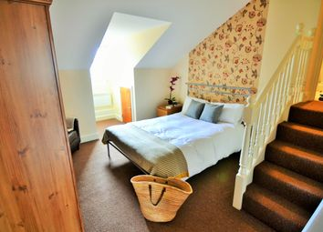 Thumbnail 1 bed flat to rent in Lorne Street, Reading
