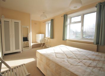 Thumbnail Room to rent in Leof Crescent, London