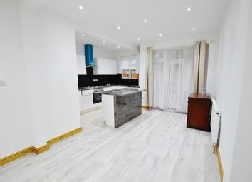 4 bed property to rent in St. Andrew's Road, London E13