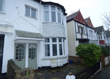 Thumbnail 1 bed flat for sale in Leigh Cliff Road, Leigh On Sea, Leigh On Sea