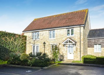 2 bed link-detached house for sale in Wessex Way, Bicester OX26