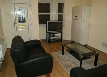 Thumbnail 6 bed flat to rent in Park Grove, Stratford, London