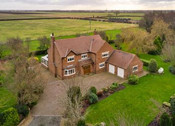 Thumbnail 4 bed farmhouse for sale in Thorne Road, East Cowick, Goole