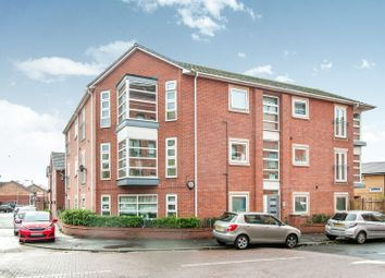 2 bed flat to rent in Cobe House, Quinney Crescent, Manchester M16