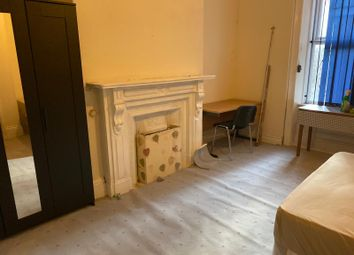 2 bed flat to rent in Brighton Grove, Arthurs Hill, Newcastle Upon Tyne NE4