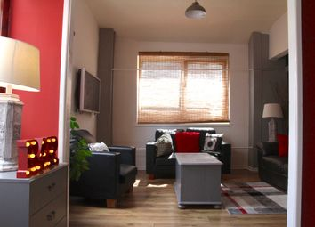 Thumbnail 5 bed flat to rent in Strand, Swansea