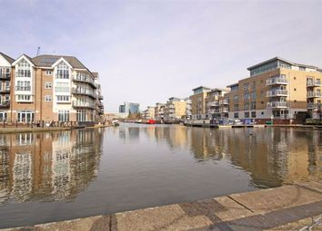 Thumbnail 3 bed flat to rent in Narrowboat Avenue, Brentford