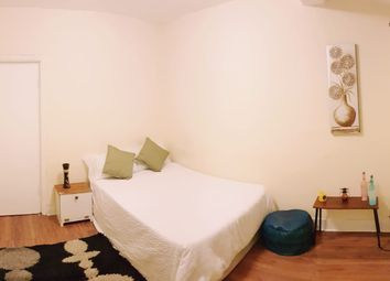 Thumbnail 4 bed shared accommodation to rent in Devonport Gardens, Redbridge