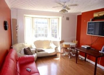 Thumbnail 3 bed flat to rent in Cornwall Avenue, Bethnal Green