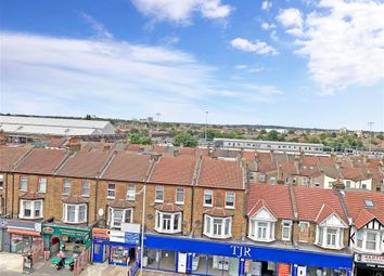 3 bed flat for sale in High Road, Ilford, Essex IG1
