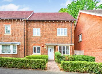 Thumbnail 1 bed flat for sale in Oak Road, Crawley