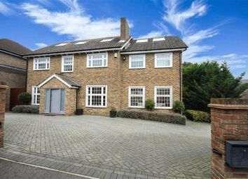 Thumbnail 6 bed detached house for sale in Greenacre Close, Hadley Highstone, Hertfordshire