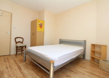 Thumbnail 4 bed flat to rent in Southwark Park Road, Bermondsey