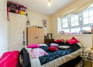 Thumbnail Flat for sale in Whitworth House, Elephant And Castle
