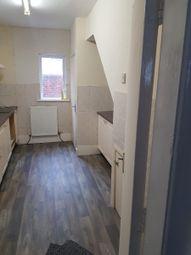 2 bed flat to rent in Elizabeth Street, Blackpool FY1