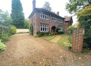 3 bed detached house for sale in Elvetham Road, Fleet, Hampshire GU51
