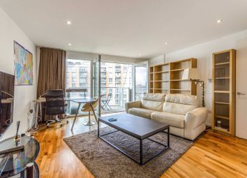 Thumbnail Flat to rent in New Providence Wharf, Canary Wharf, London
