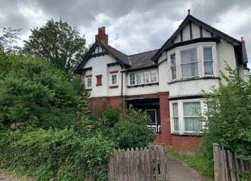5 bed detached house to rent in Hughenden Road, High Wycombe HP13