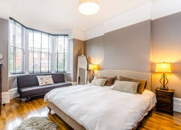 Thumbnail 3 bedroom flat to rent in Cambridge Road, Bromley North