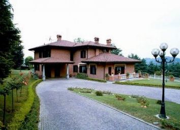 Thumbnail 6 bed town house for sale in 23884 Castello di Brianza Lc, Italy