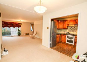 Thumbnail 3 bed property to rent in Turnpike Link, Croydon