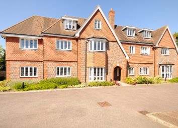Thumbnail 2 bed flat for sale in Shoppenhangers Road, Maidenhead