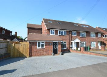 Thumbnail 5 bed property to rent in Crescent Way, Horley