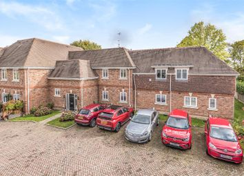 Thumbnail 2 bed flat for sale in Kingsley Place, Wokingham, Berkshire
