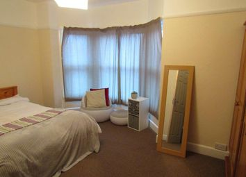 4 bed semi-detached house to rent in Devonshire Road, Southampton SO15