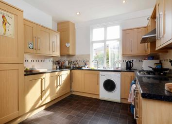 Thumbnail 2 bed flat to rent in Cathnor Road, Shepherd's Bush
