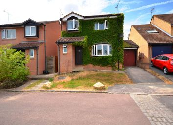 Thumbnail 4 bed detached house to rent in Chaffinch Close, Wokingham