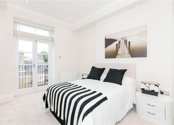 Thumbnail 2 bed flat for sale in Cromwell Crescent, London
