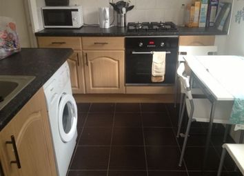 Thumbnail 2 bedroom flat to rent in Turin Street, Bethnal Green, London
