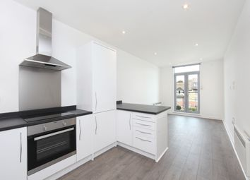 Thumbnail 2 bed flat to rent in Bartlett Street, South Croydon