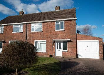Kingsley Close, Shaw, Newbury RG14. 3 bed semi-detached house for sale