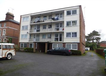Thumbnail 1 bed flat to rent in Kendrick Road, Reading