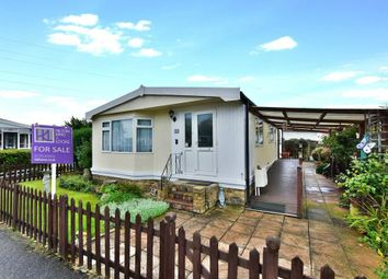 Thumbnail 2 bed mobile/park home for sale in Orchards Residential Park, Slough