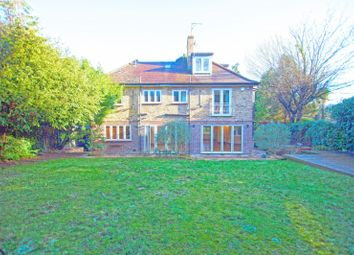 Thumbnail 6 bed property to rent in Cedars Close, Hendon