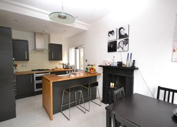 Thumbnail 2 bedroom maisonette to rent in Sedgemere Avenue, East Finchley