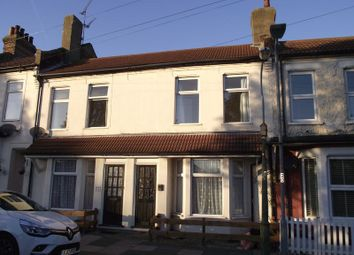 Thumbnail 2 bedroom flat to rent in Riviera Drive, Southend-On-Sea