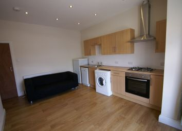 Thumbnail 1 bed flat to rent in Queens Road, Hyde Park, Leeds